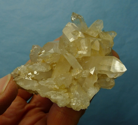 Semi-clear quartz crystal group with a good lustre