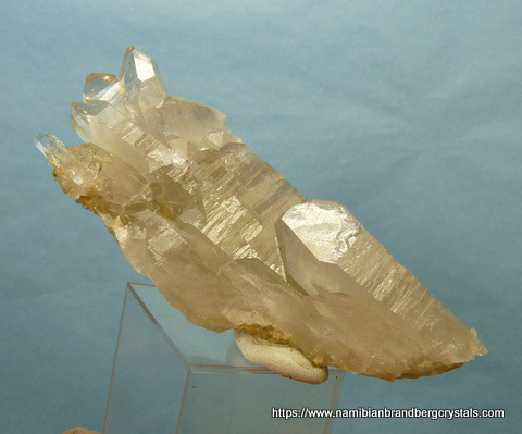 Beautiful quartz crystal floater with rutile needles, Vredendal
