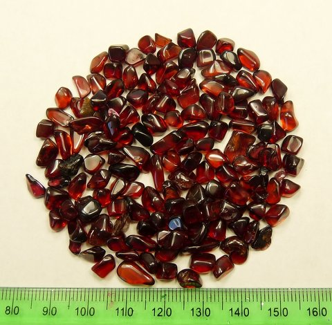 Fourty grams of tumbled garnets