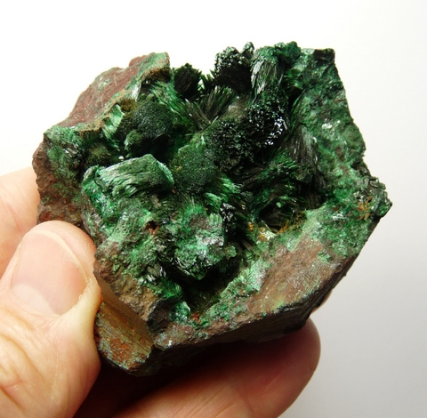 Malachite crystal sprays on ore matrix